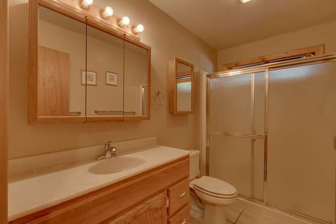 Tahoe Donner Home for Sale | Bathroom
