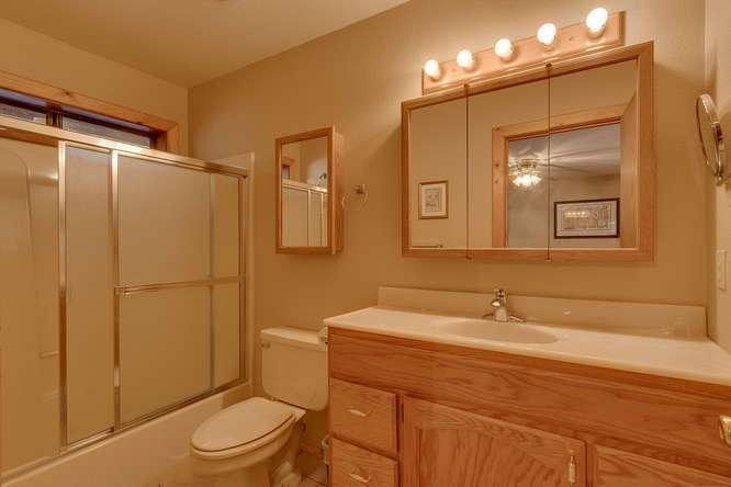 Tahoe Donner Real Estate | 14094 Tyrol Way | Bathroom