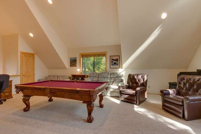 Home for Sale in Tahoe Donner | Guest House living Area