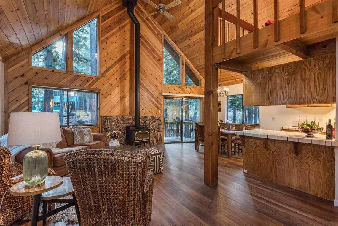Tahoe Donner Real Estate | Open Living Room