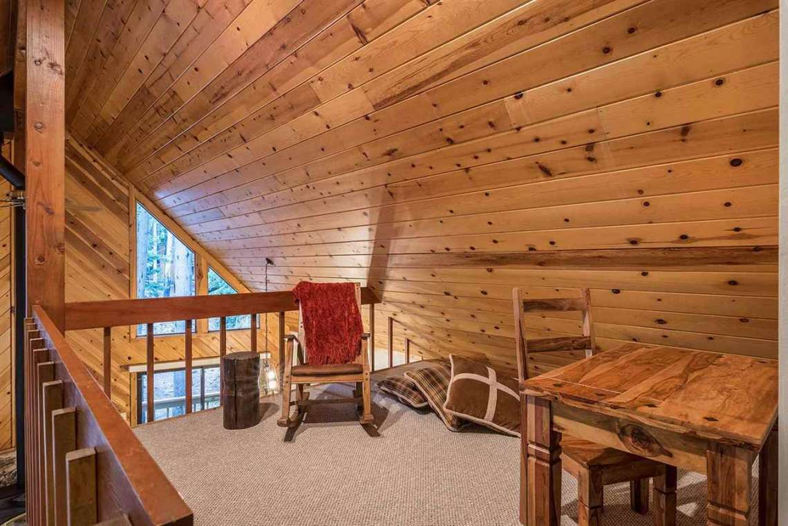 Tahoe Donner Real Estate | Loft Area