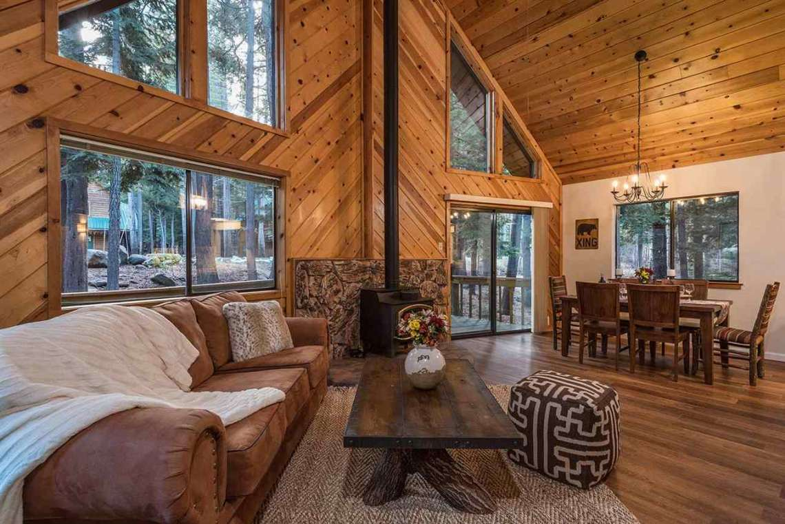 Truckee Real Estate | Spacious Living Room