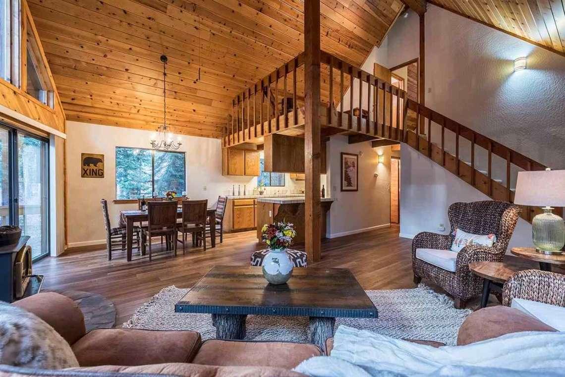 Tahoe Donner Cabin | Vaulted Ceilings