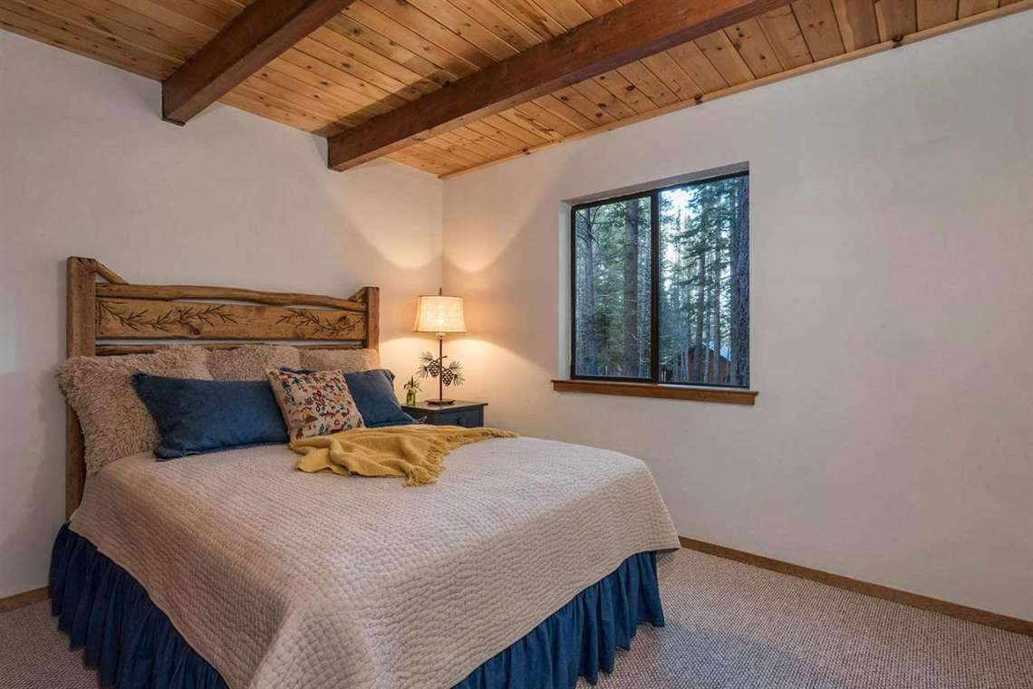 Tahoe Donner Real Estate | Bedroom