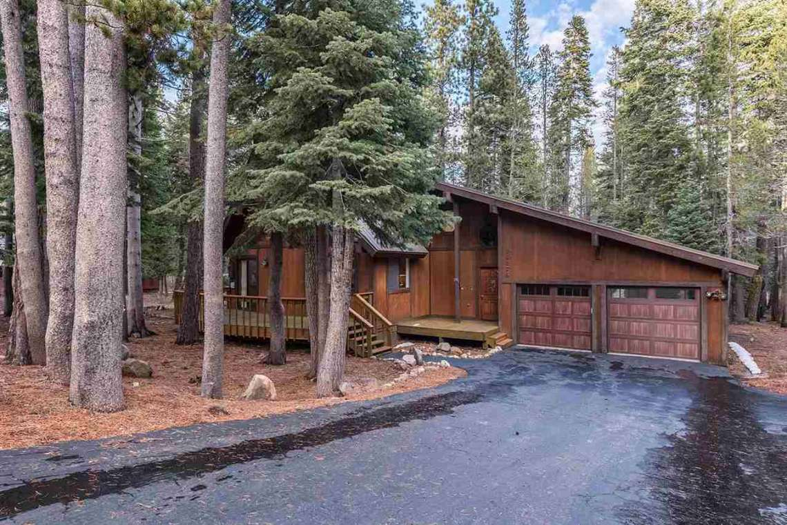 Tahoe Donner Cabin in Truckee CA | Front View