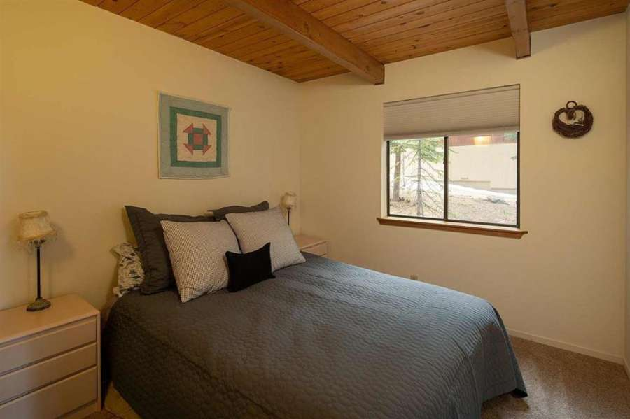 Guest bedroom | 13178 Muhlebach Way