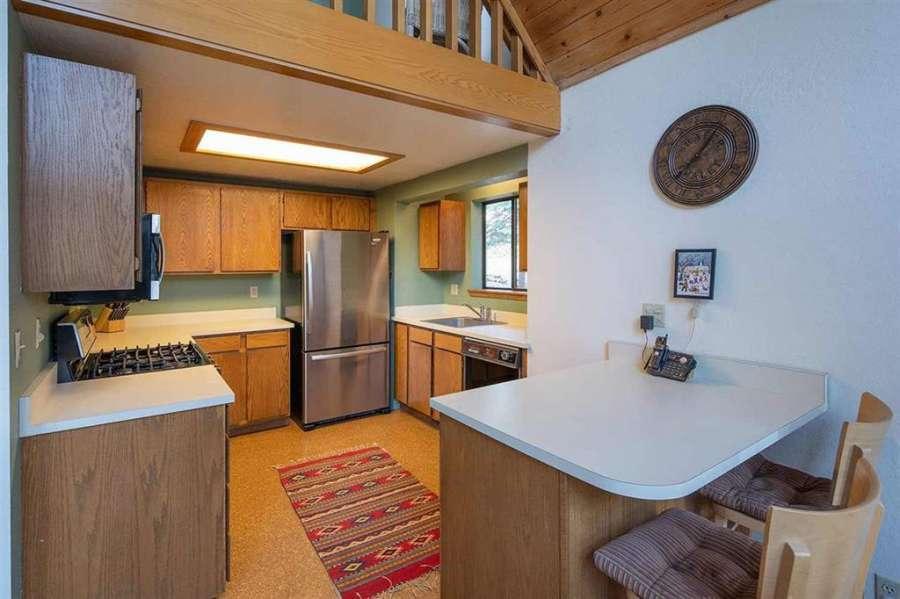 Tahoe Donner Getaway | Kitchen