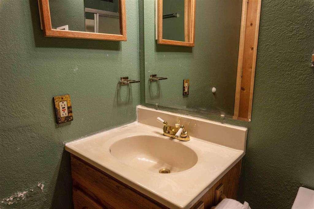 Home in Tahoe Donner   13443 Skislope Way   Bathroom