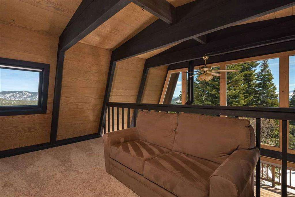 Tahoe Donner Real Estate   13443 Skislope Way   Upstairs