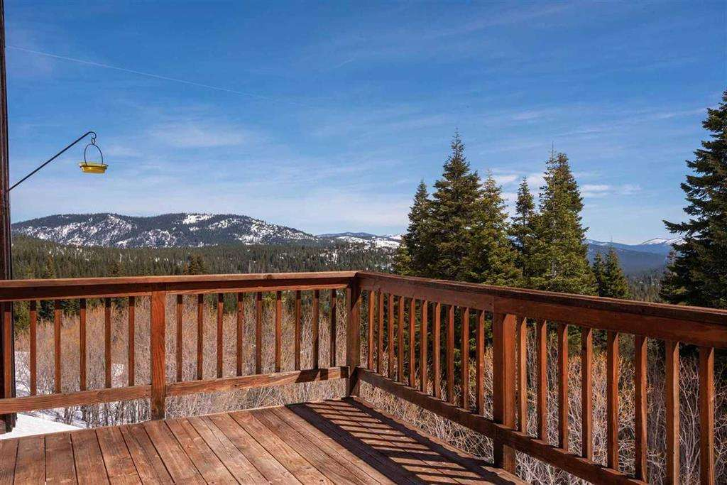 Tahoe Donner Cabin | 13443 Skislope Way | Deck with View