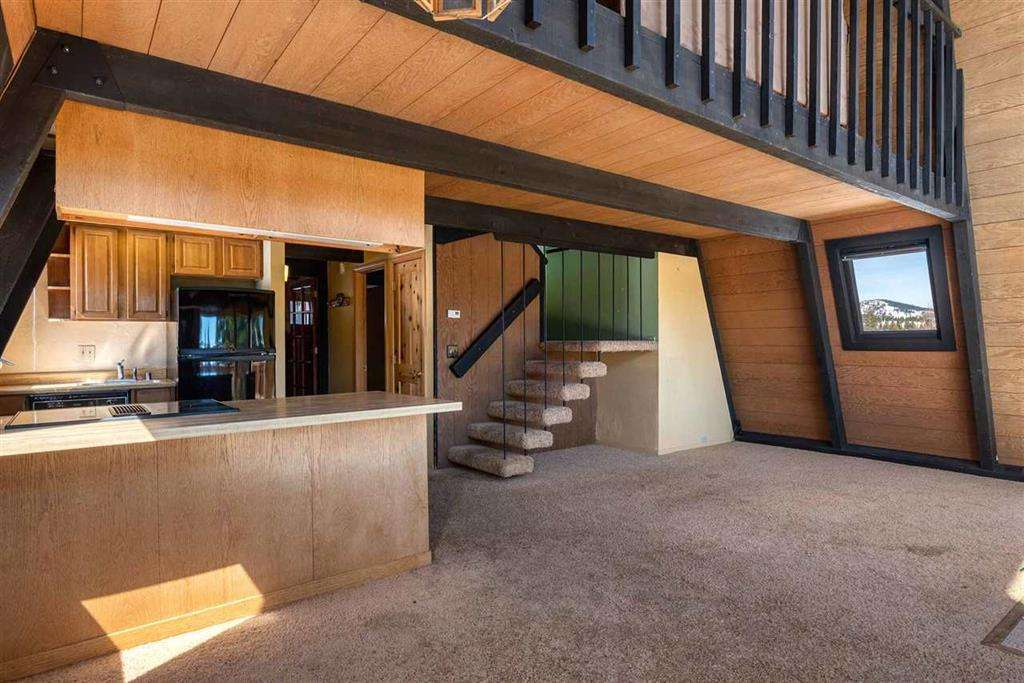 Truckee Real Estate | 13443 Skislope Way | Living Area