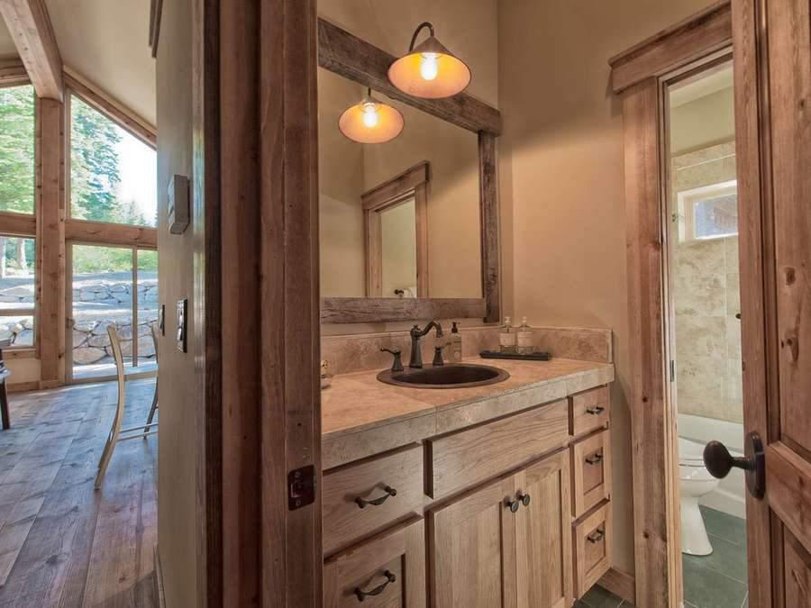 Tahoe Donner Real Estate, Bathroom