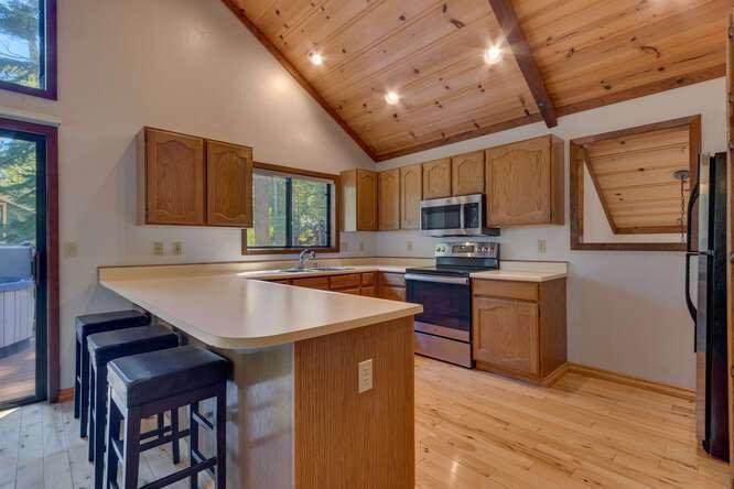 405-Tahoe-Woods-Blvd-Tahoe-small-006-015-Kitchen-666x445-72dpi