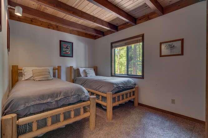 405-Tahoe-Woods-Blvd-Tahoe-small-017-005-Bedroom-666x444-72dpi
