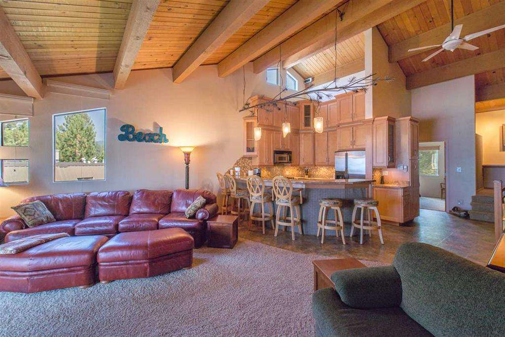 Tahoe Vista Condo | 7580 North Lake Blvd | Living Room