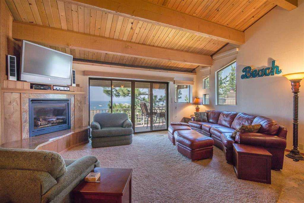 North Lake Tahoe Condo | 7580 North Lake Blvd | Living Room with View