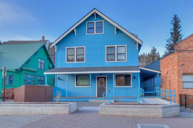 10178 Donner Pass Rd | Truckee - Wergland House