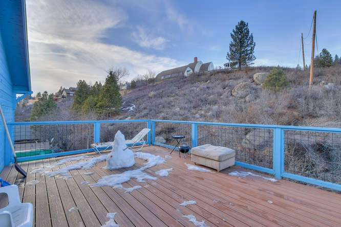 Truckee Income Property | 10178 Donner Pass Rd Truckee - Common Deck