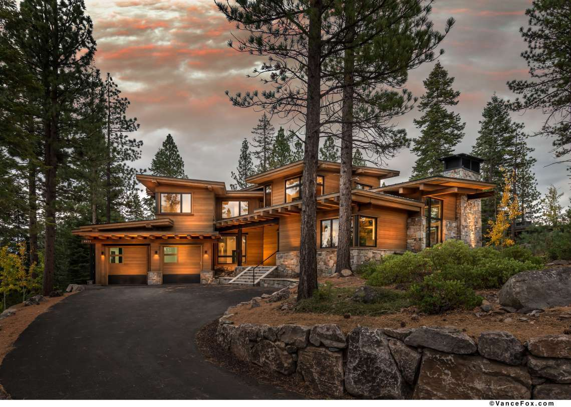 Truckee Luxury Real Estate   8621 Lloyd Tevis Dr   Outside Front View