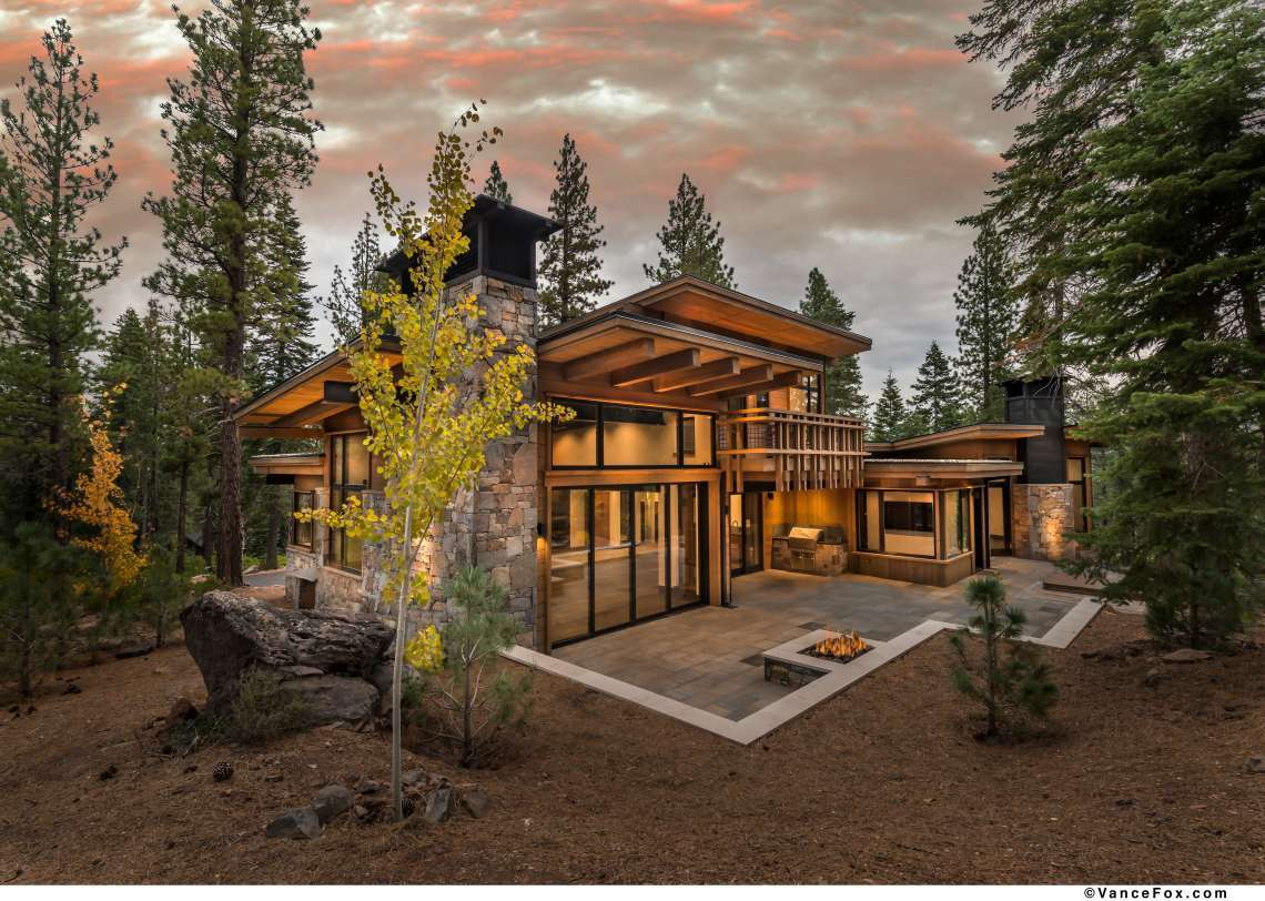 Truckee Real Estate   8621 Lloyd Tevis Dr   Outside Back View