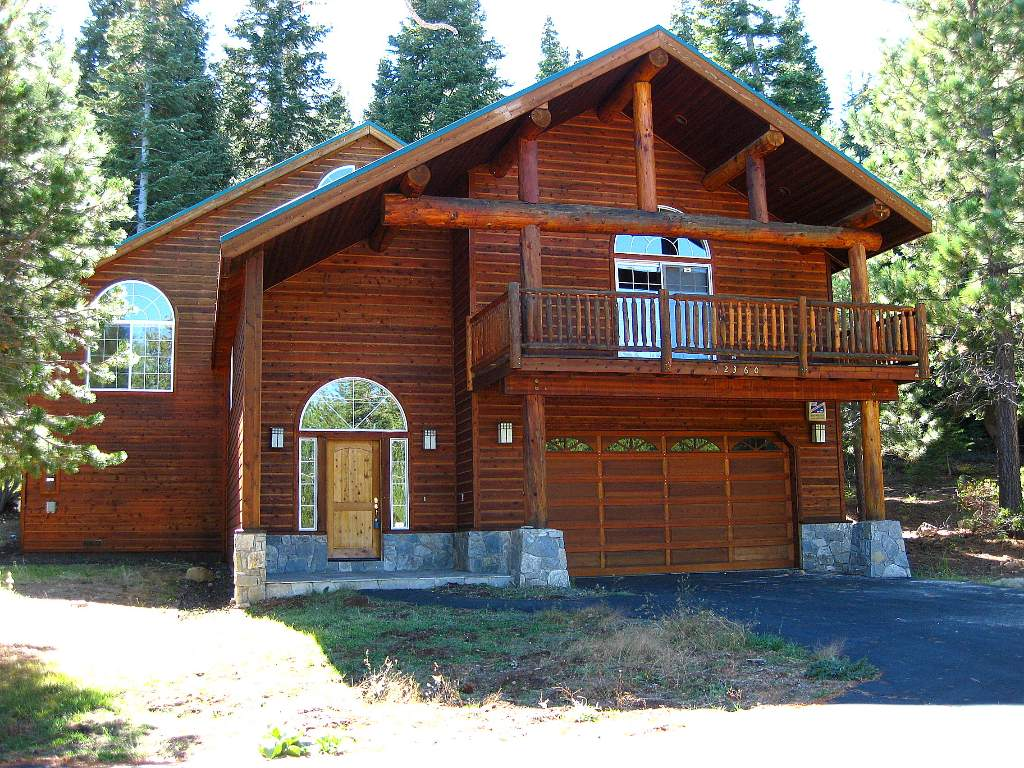 Tahoe Donner Real Estate | Home nestled in the trees