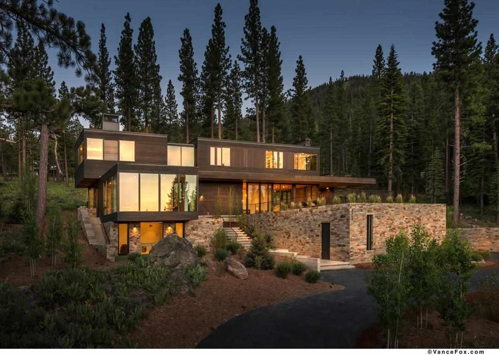 Image of Truckee luxury home 8160 Villandry Drive | Truckee Luxury Properties for 16284 Tewksbury Drive | Tahoe Luxury Properties blog post