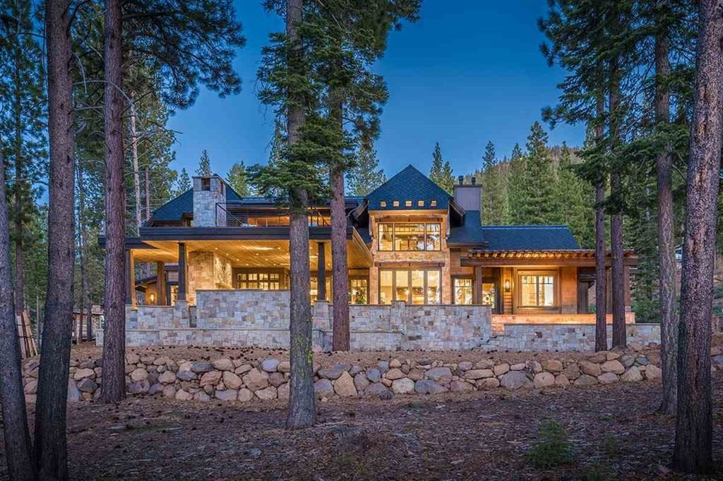 Image of lake tahoe luxury home for Tahoe Luxury Home Sales of 2017 blog post