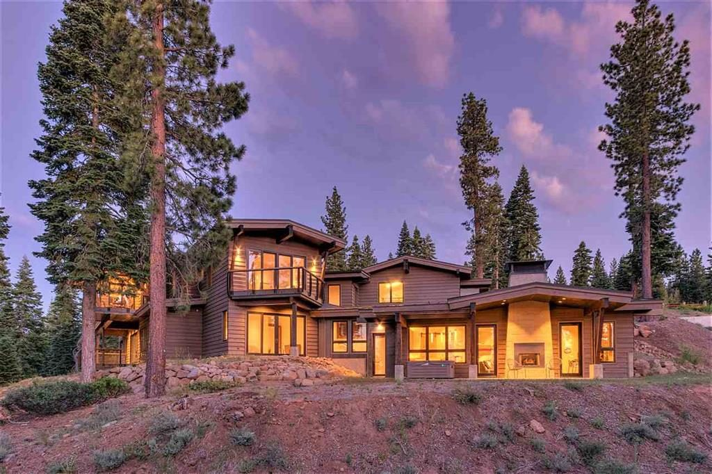 Image of Truckee luxury home for Tahoe Luxury Home Sales of 2017 blog post