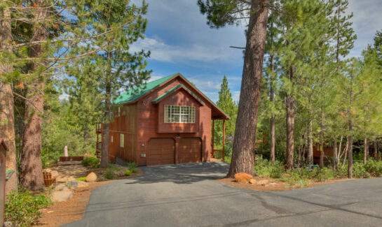 Exterior front view of cabin in Tahoe Donner