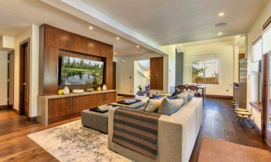 Prosser Lakeview Estates Luxury Home